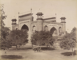 Gateway to the Taj, Agra
